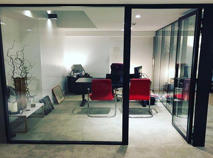 locaux professionnels am nagement et r novation lisandre. Black Bedroom Furniture Sets. Home Design Ideas