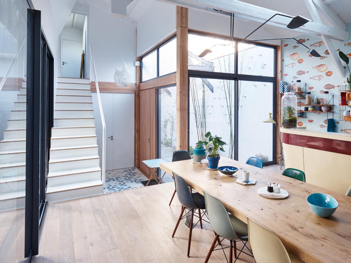Construction maison de ville : escalier et salle à manger